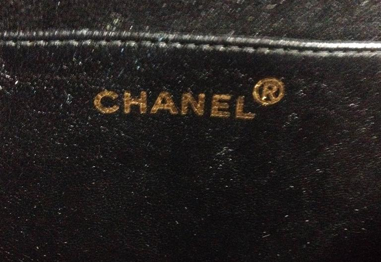 Vintage CHANEL black patent enamel quilted leather large heart shape handbag 8