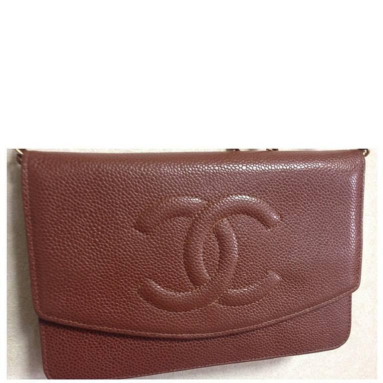 Brown MINT. Vintage CHANEL brown caviar shoulder clutch chain bag, iPhone, wallet. For Sale
