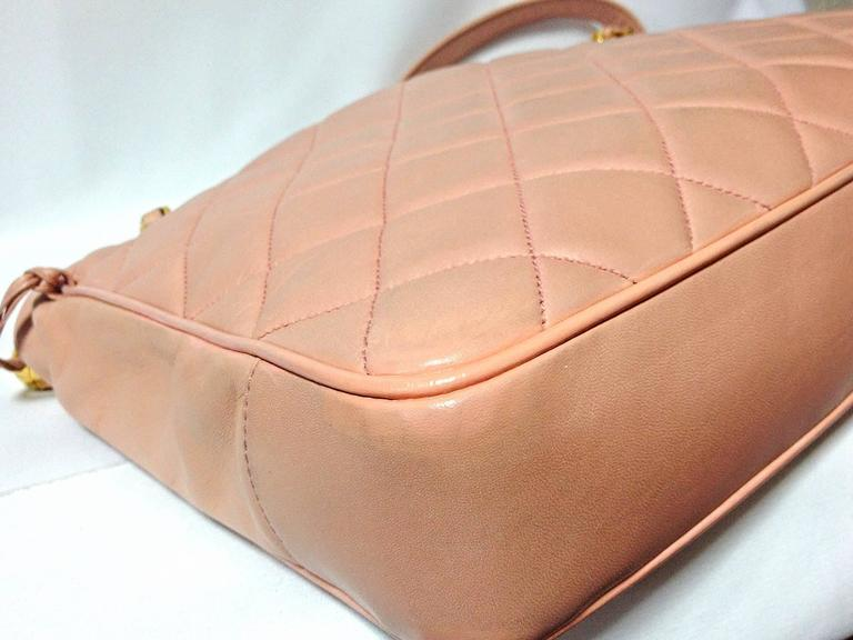 Women's Vintage CHANEL milky pink lambskin shoulder tote bag with gold tone chain straps For Sale