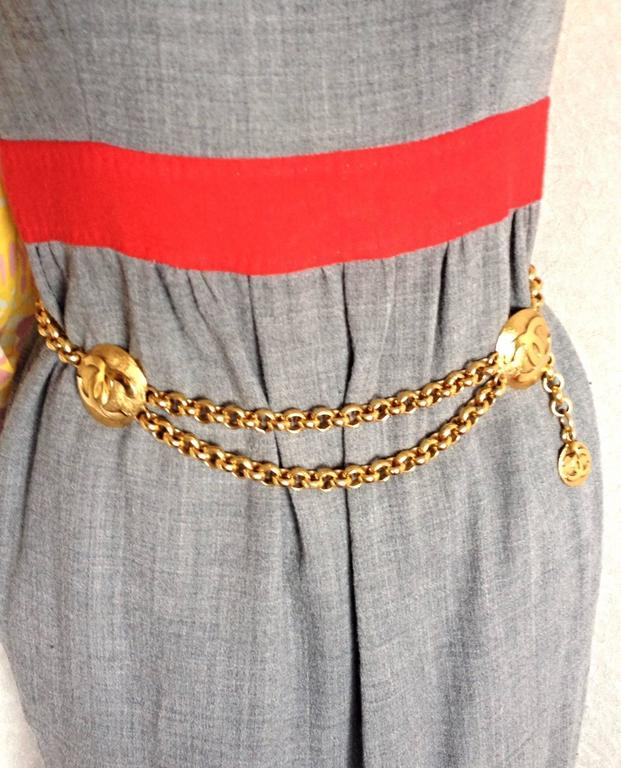 Vintage CHANEL golden double chain belt with two large CC round motif charms. Rare and Gorgeous belt. Perfect Chanel jewelry. Max 30