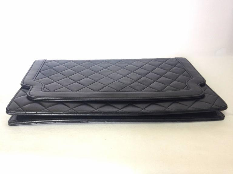 Vintage CHANEL classic black quilted lambskin document clutch purse. Classic bag 4