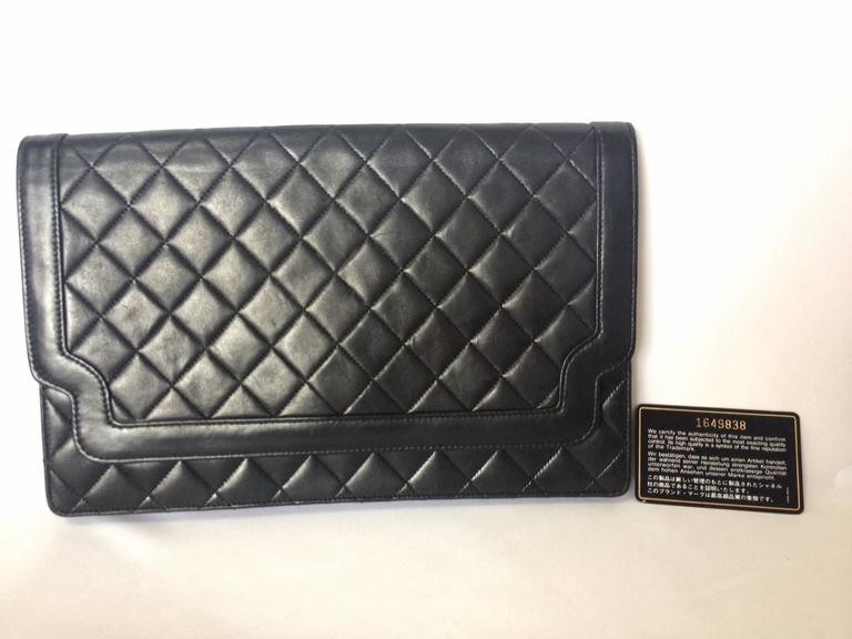 Vintage CHANEL classic black quilted lambskin document clutch purse. Classic bag 9