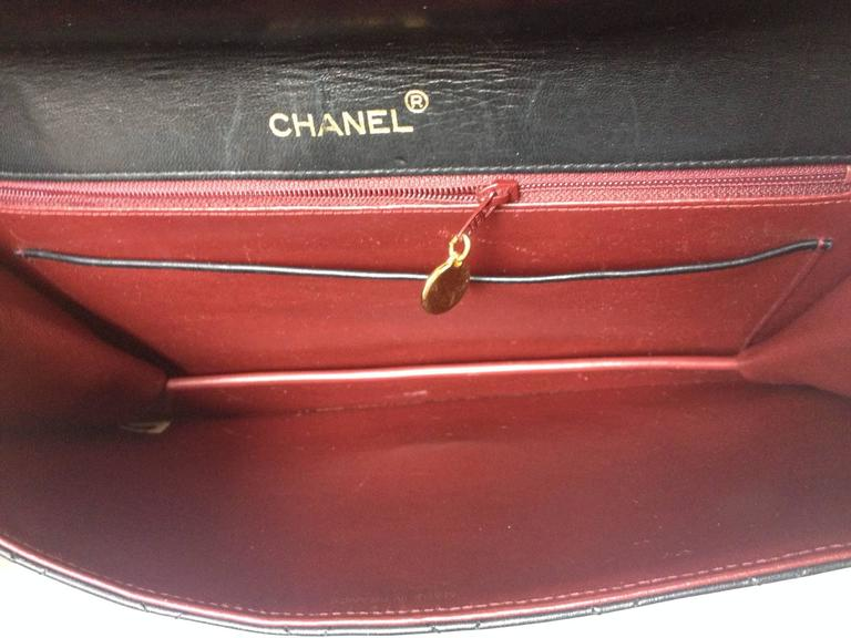 Vintage CHANEL classic black quilted lambskin document clutch purse. Classic bag 8