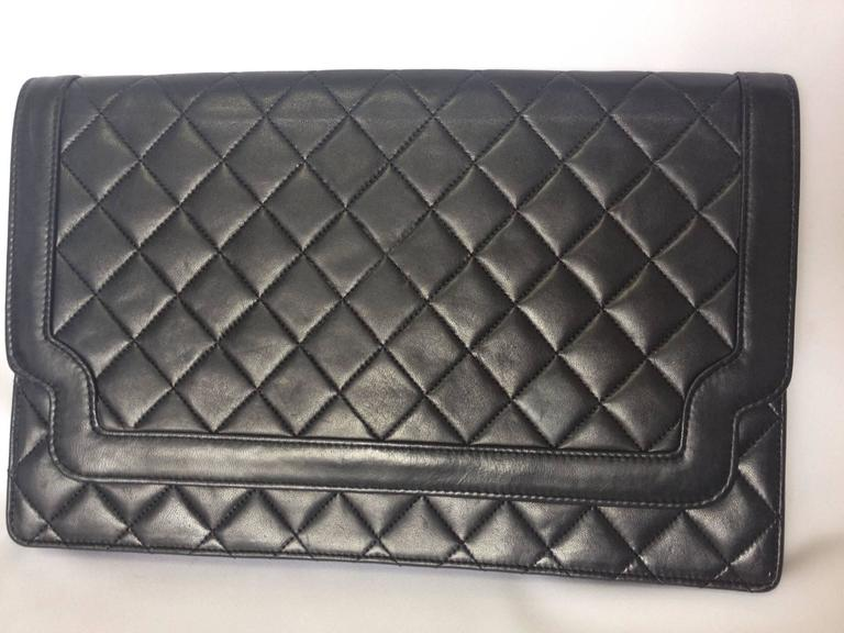 Vintage CHANEL classic black quilted lambskin document clutch purse. Classic bag 2
