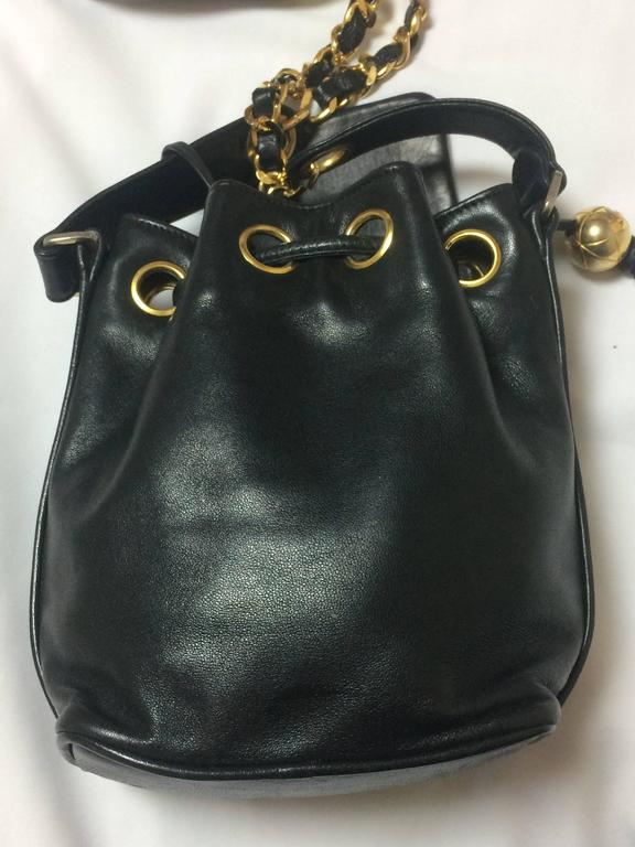 Vintage CHANEL black lamb leather mini hobo bucket drawstring shoulder bag. In Good Condition For Sale In Kashiwa, Chiba