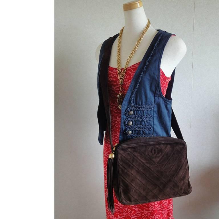 Vintage CHANEL dark brown V stitch suede leather shoulder bag with CC stitch 10