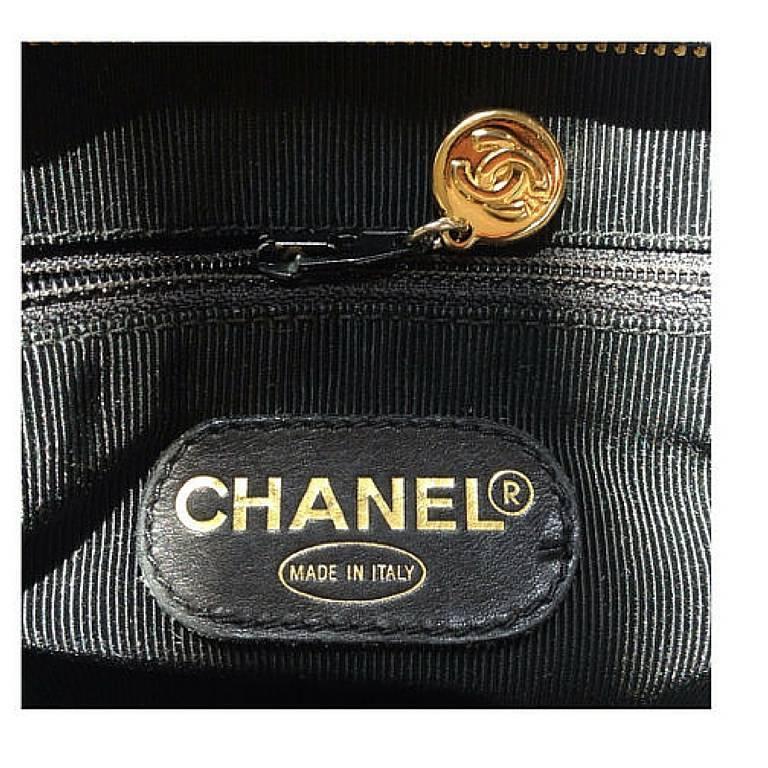 Vintage CHANEL black caviar leather shoulder tote bag with cc stitch marks. 8