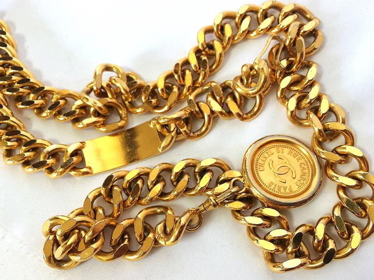 Vintage CHANEL golden thick chain belt with a golden CC charm and logo plate.  6