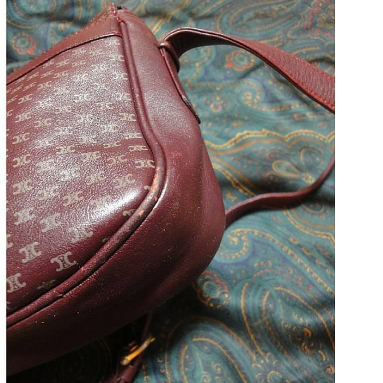 80's vintage Celine shoulder purse in bordeaux, burgundy leather with blason. 6