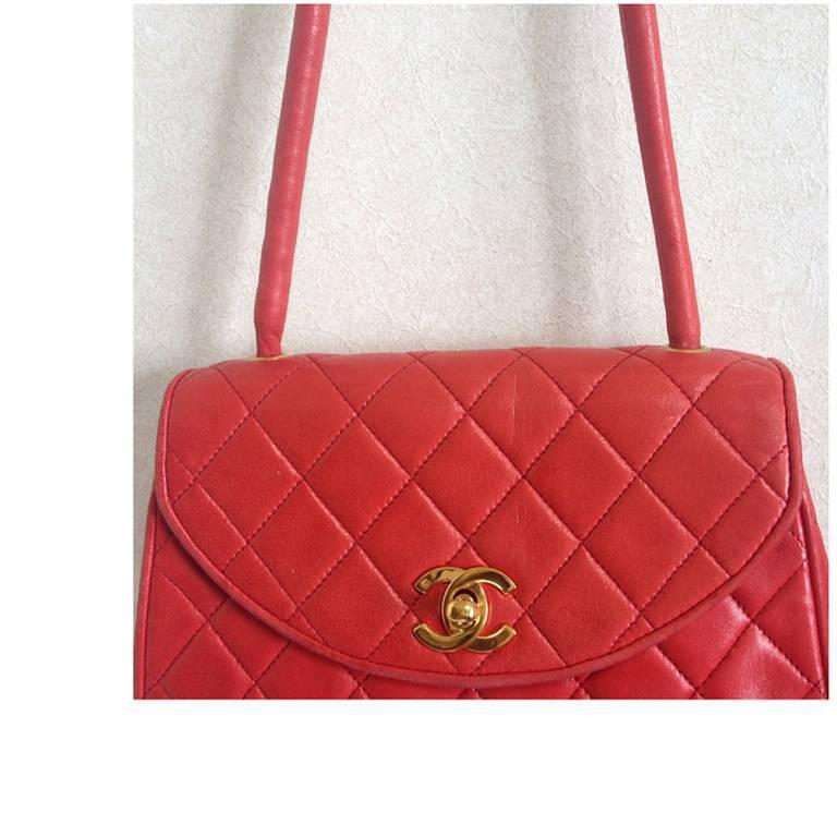Vintage CHANEL lipstick red lamb leather shoulder bag with leather strap and cc. 4