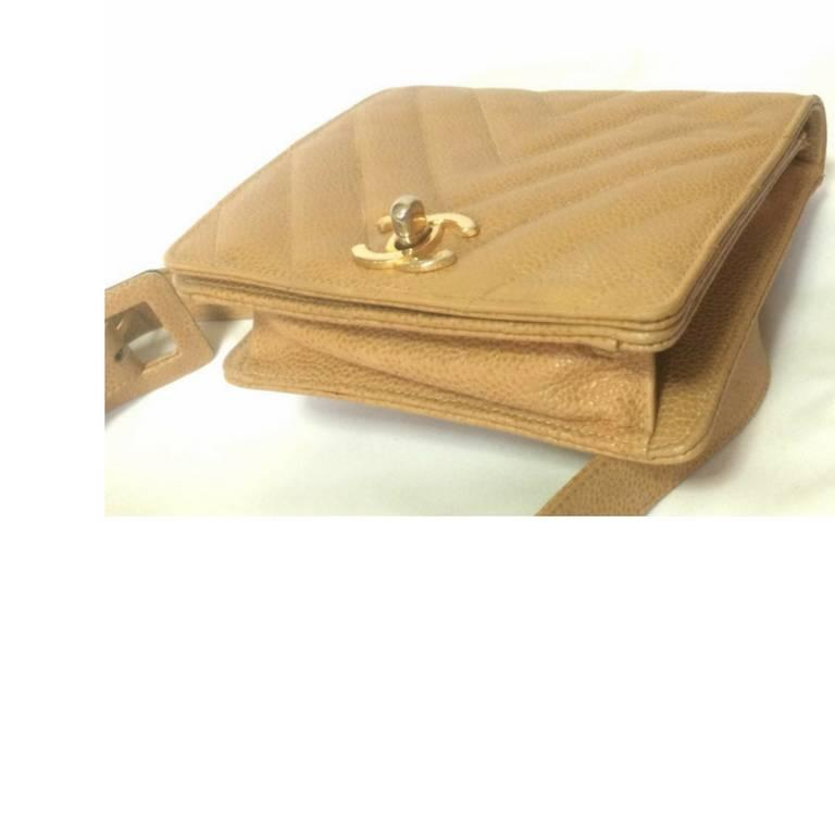 Vintage CHANEL beige caviar  V stitch, chevron, waist bag, hip, fanny pack. For Sale 1