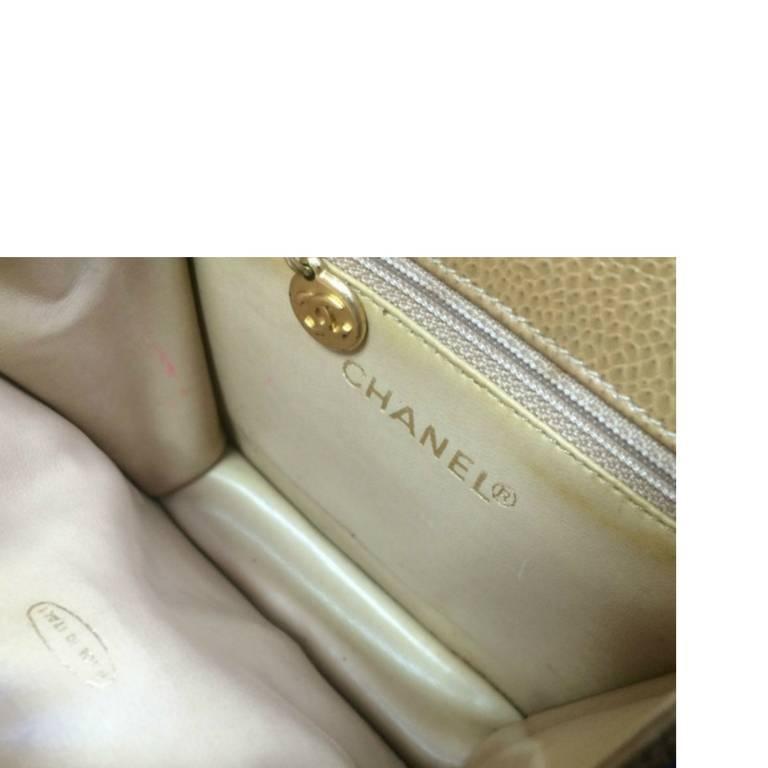 Vintage CHANEL beige caviar  V stitch, chevron, waist bag, hip, fanny pack. For Sale 4