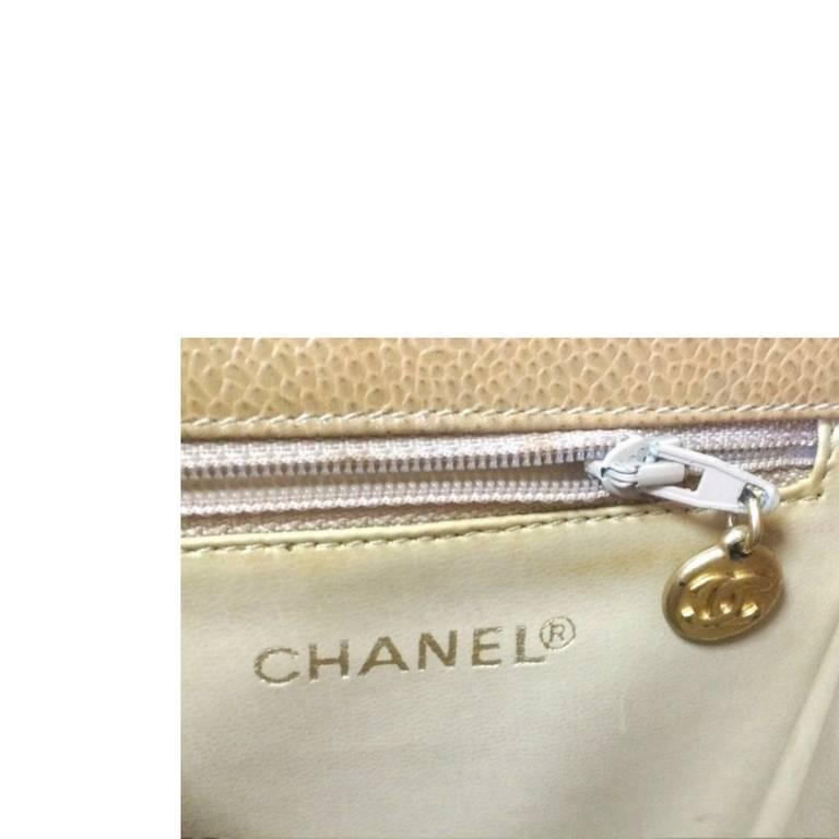 Vintage CHANEL beige caviar  V stitch, chevron, waist bag, hip, fanny pack. For Sale 3