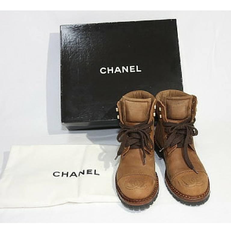 Vintage CHANEL middle high, brown leather boots, hiking lace up boots. cc marks 8