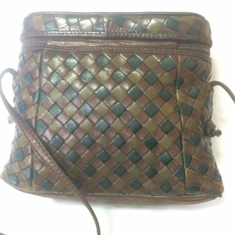 Black Vintage Bottega Veneta brown, khaki, dark green intrecciato lunchbox shape bag. For Sale