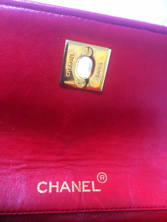 Vintage CHANEL classic mini flap 2.55 shoulder bag in lipstick red lambskin. For Sale 1
