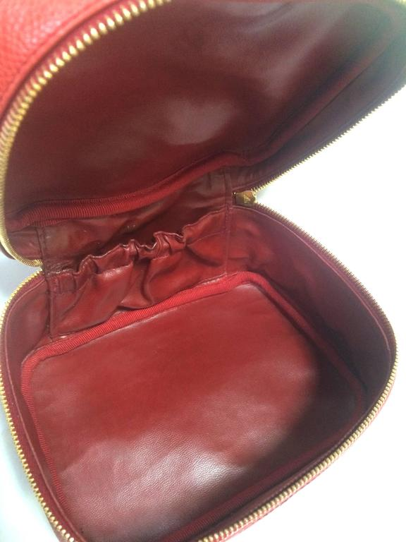 Vintage CHANEL lipstick red caviar cosmetic and toiletry pouch. Classic. 7