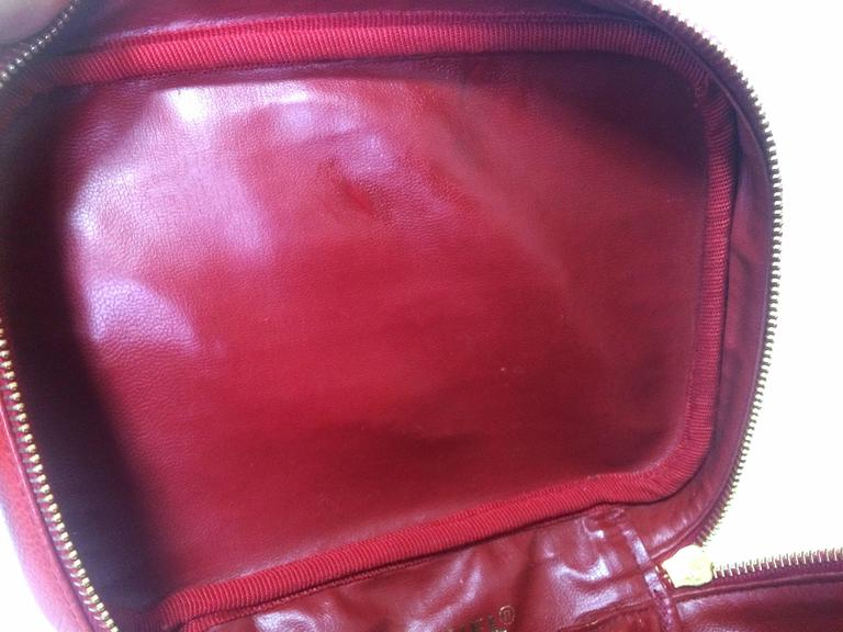 Vintage CHANEL lipstick red caviar cosmetic and toiletry pouch. Classic. 5