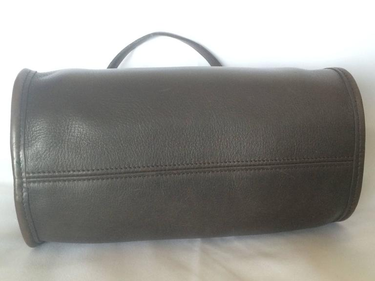 Women's 80's Vintage COACH dark brown leather shoulder bag, handbag in unique drum shape For Sale