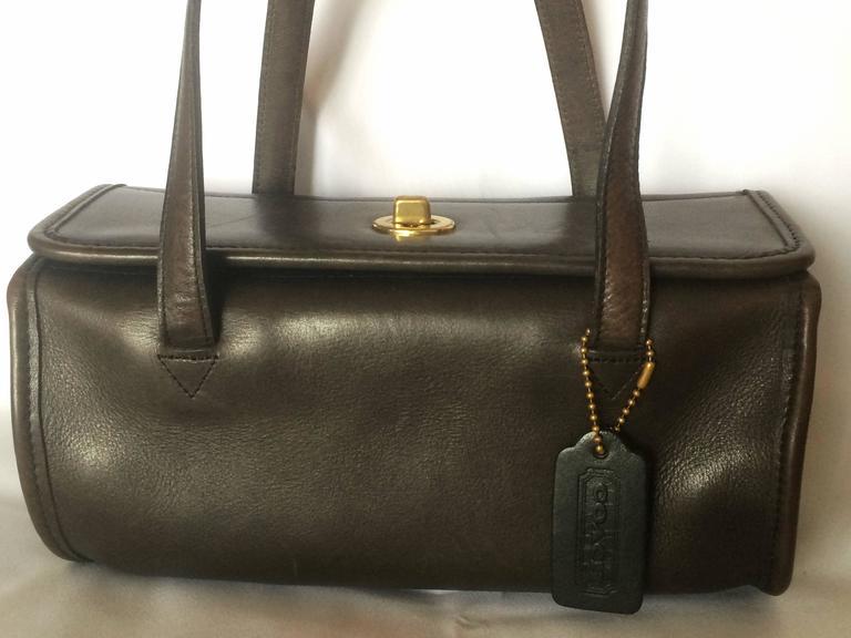 80's Vintage COACH dark brown leather shoulder bag, handbag in unique drum shape For Sale 4