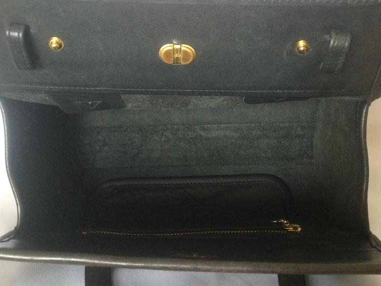 80's Vintage COACH dark brown leather shoulder bag, handbag in unique drum shape For Sale 2