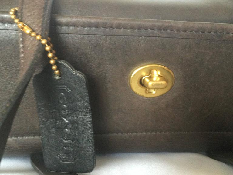 80's Vintage COACH dark brown leather shoulder bag, handbag in unique drum shape 4