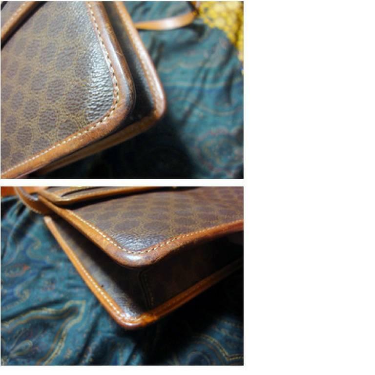 Vintage Celine iconic macadam blaison pattern shoulder bag with golden motifs. In Good Condition For Sale In Kashiwa, JP