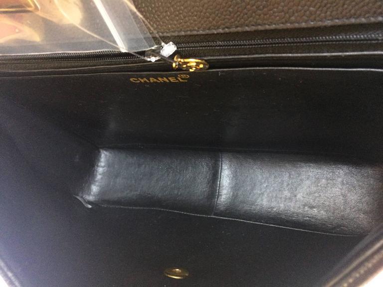 Vintage CHANEL black 2.55 jumbo caviar large shoulder bag, vertical stitches. 8