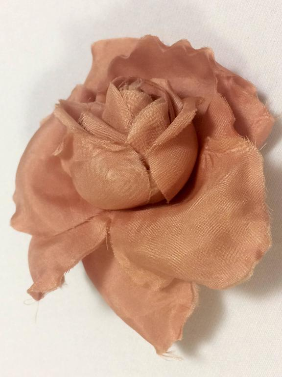 Vintage CHANEL salmon pink rose, flower silk brooch. Very elegant accent. 2