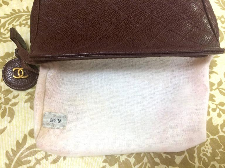 Vintage CHANEL wine brown caviar leather cosmetic, toiletries, makeup pouch. For Sale 2