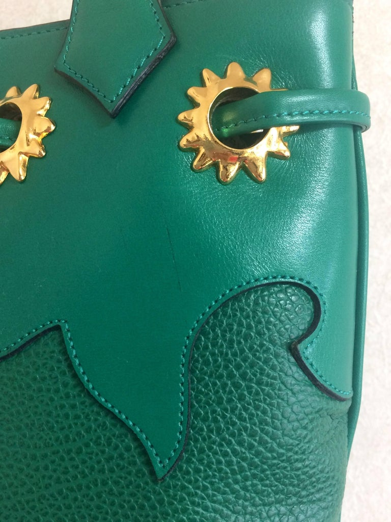 Vintage Christian Lacroix green hobo bucket shoulder bag with golden star motifs In Excellent Condition For Sale In Kashiwa, Chiba