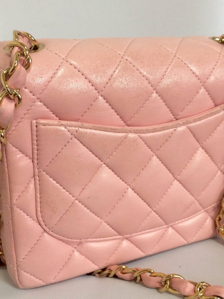 Vintage CHANEL pink lamb leather classic flap chain mini 2.55 shoulder bag. In Good Condition For Sale In Kashiwa, Chiba