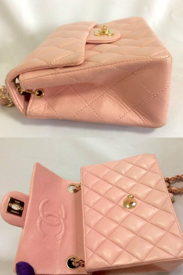 Vintage CHANEL pink lamb leather classic flap chain mini 2.55 shoulder bag. For Sale 2