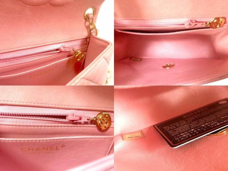 Vintage CHANEL pink lamb leather classic flap chain mini 2.55 shoulder bag. For Sale 4