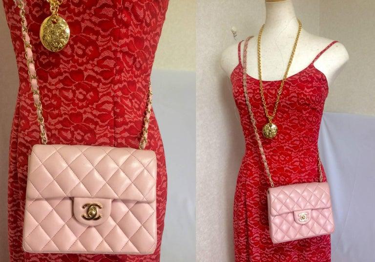 Vintage CHANEL pink lamb leather classic flap chain mini 2.55 shoulder bag. For Sale 5
