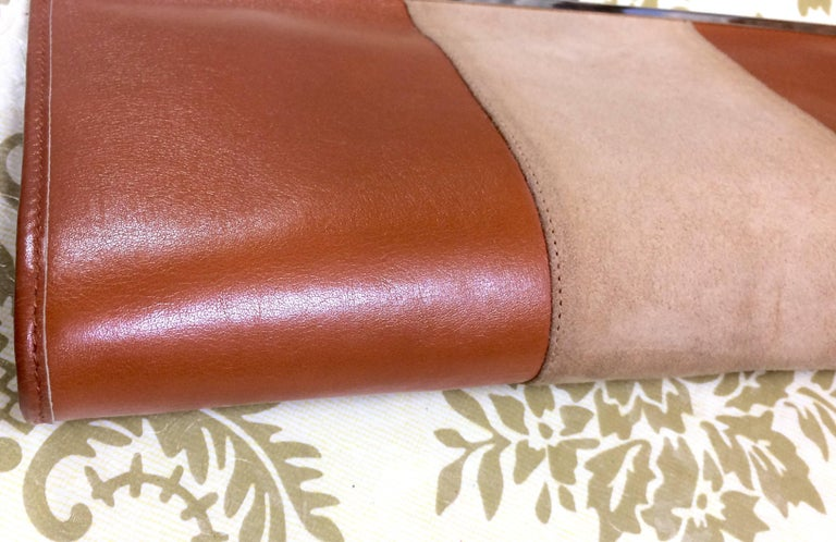 Vintage Christian Dior beige suede and tanned brown leather clutch purse In Good Condition For Sale In Kashiwa, Chiba