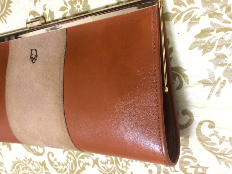 Vintage Christian Dior beige suede and tanned brown leather clutch purse For Sale 2