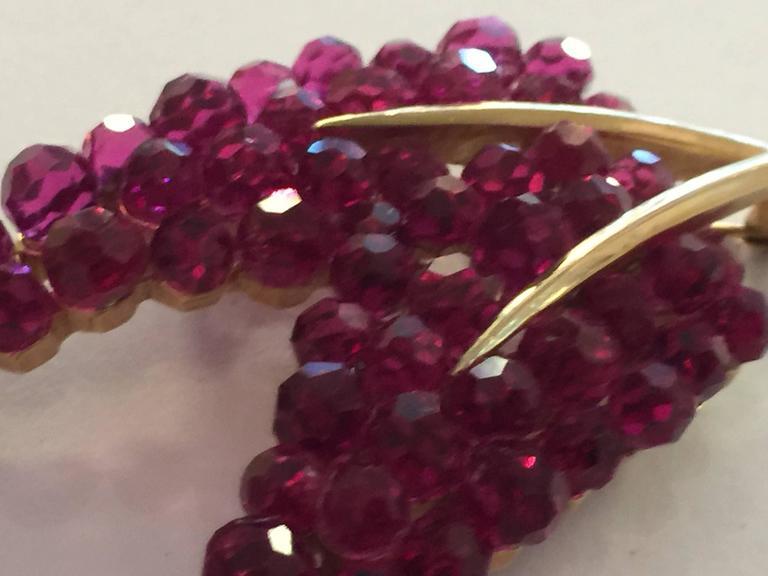 1950s TRIFARI Briolette Fuschia Swarovski Crystal Floral Brooch Pin 5