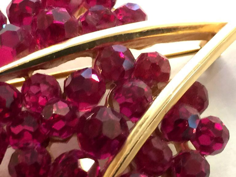 1950s TRIFARI Briolette Fuschia Swarovski Crystal Floral Brooch Pin 6