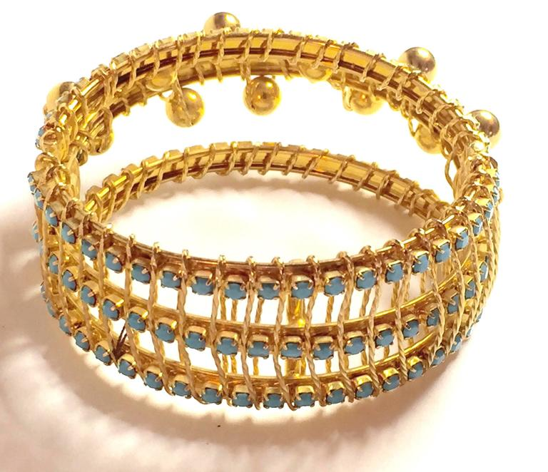 DeLillo Modernist Wirewrapped Goldtone Aqua Stones & Ball Accent Hinged Bracelet In Excellent Condition For Sale In Palm Springs, CA