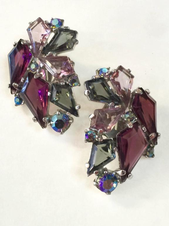 RARE 1960s Schiaparelli Amethyst Link Bracelet Clip On Earring Set In Excellent Condition For Sale In Palm Springs, CA