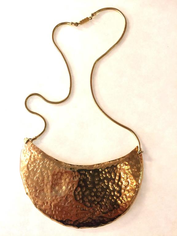 1970s DeLillo Hammered Brass Modernist Breastplate Necklace 2