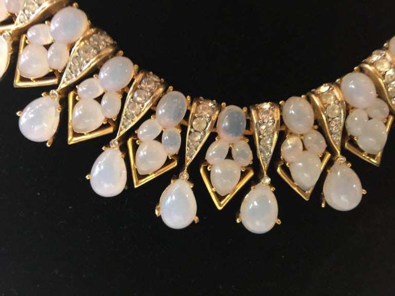 TRIFARI 1960s Faux Moonstone and Diamante Statement Necklace In Excellent Condition For Sale In Palm Springs, CA