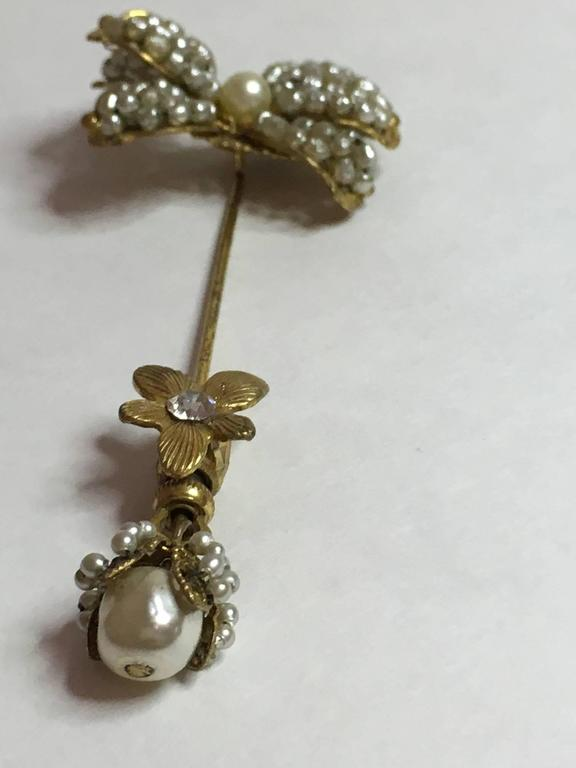 1950's MIRIAM HASKELL Baroque Seed Pearl and Montee Rhinestone Stickpin In Excellent Condition For Sale In Palm Springs, CA