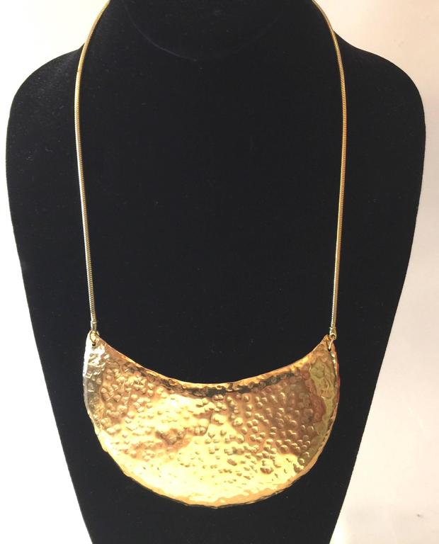1970s DeLillo Hammered Brass Modernist Breastplate Necklace 3