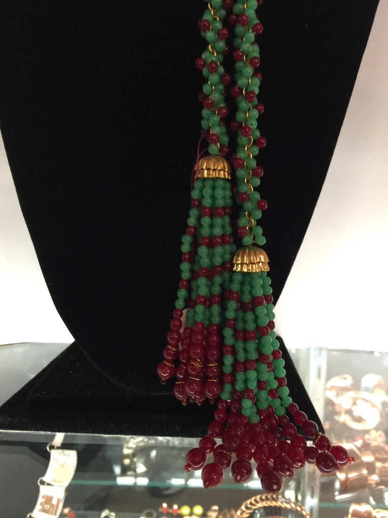 William DeLillo Faux Emerald and Ruby Multi Functional Lariat Tasseled Necklace In Excellent Condition For Sale In Palm Springs, CA