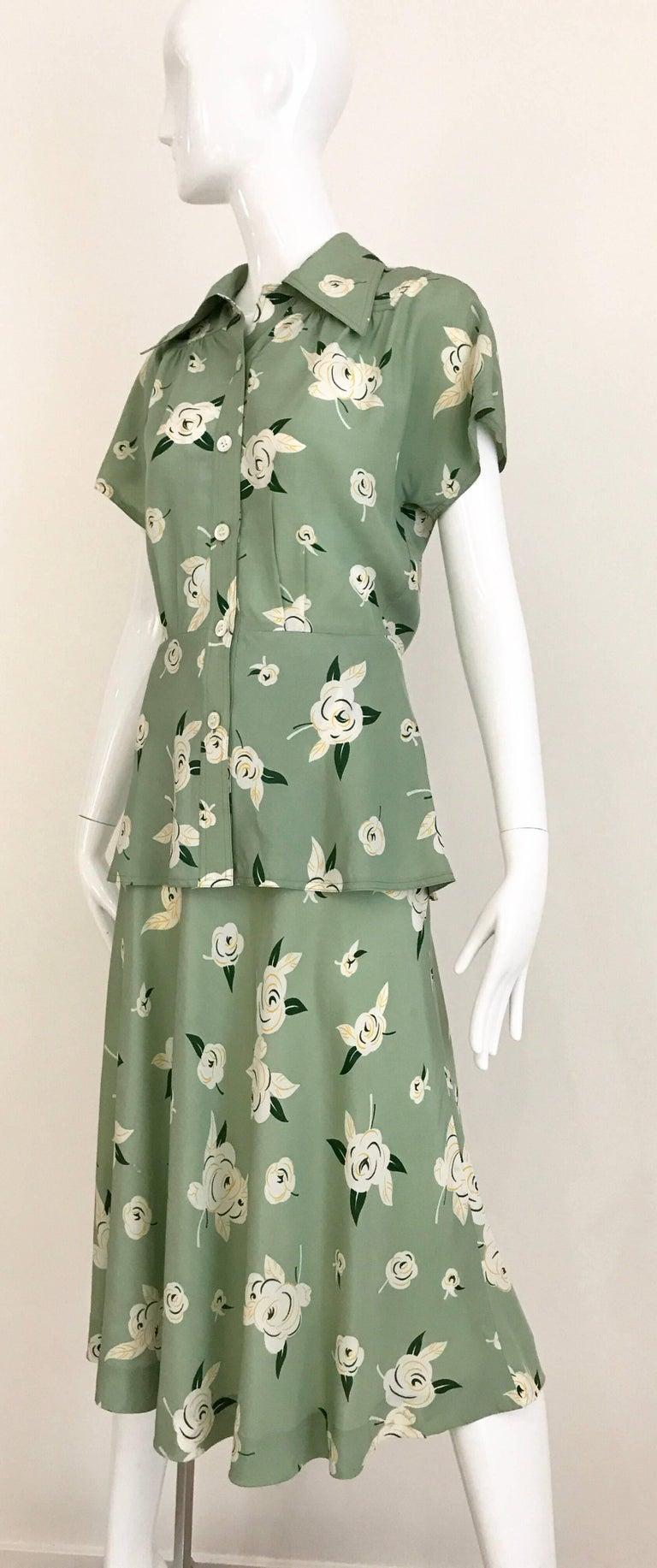 Women's GUY LAROCHE 1970s Floral Print Light Green Rayon Blouse Skirt Ensemble  For Sale