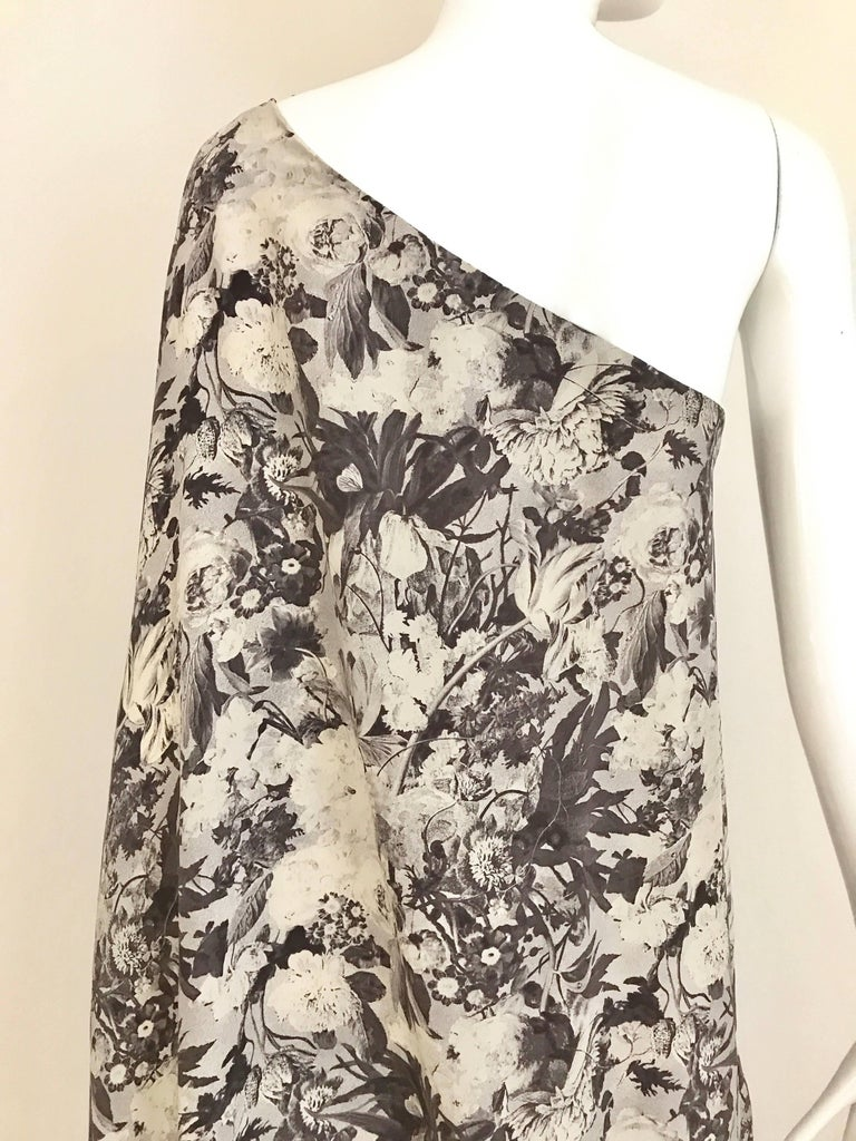 Jean Patou Grey Floral Print One Shoulder Silk Dress, 1970s  In Good Condition For Sale In Beverly Hills, CA
