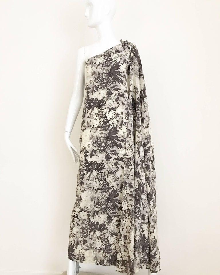 Jean Patou Grey Floral Print One Shoulder Silk Dress, 1970s  For Sale 2