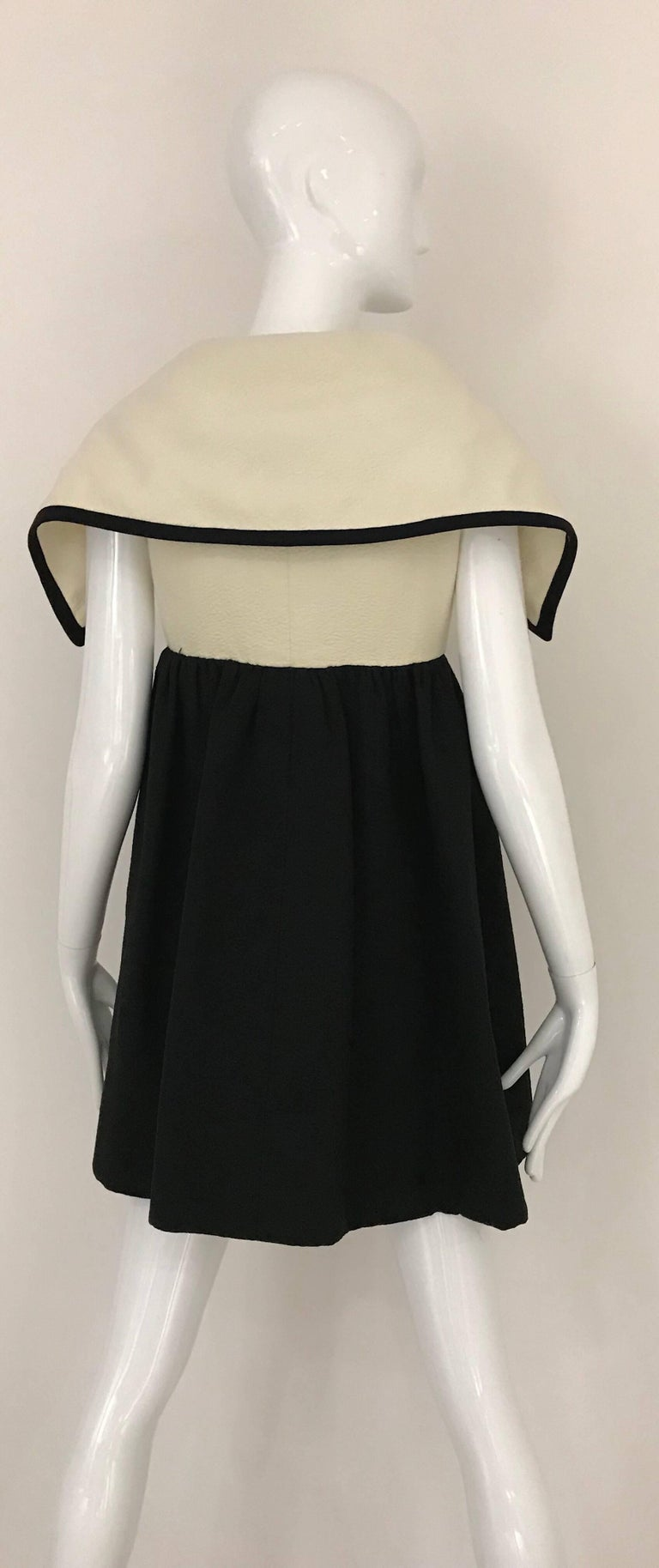 Women's 1960s Geoffrey Beene Creme and Black Cotton Mini Dress with Large Collar For Sale